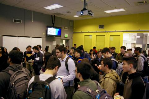 crowd of students at the Chiang Research Festival
